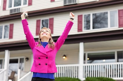 woman buying her first home