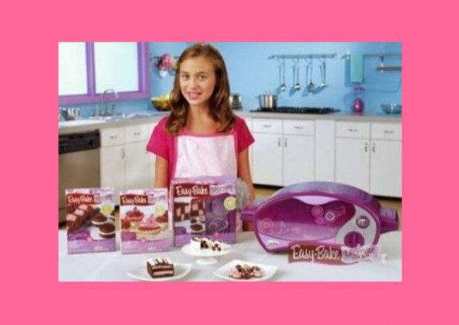 Hasbro Easy Bake Oven For Girls_Marketing Video Screen Shot