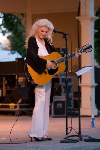 Judy Collins on stage
