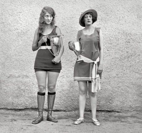 Winners of a 1922 beauty pageant.