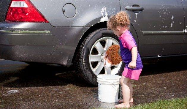 girl_car_wash