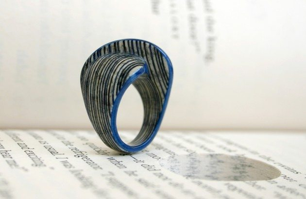 A_wind_in_the_door_ring
