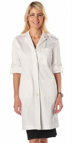 Dr. Leslie Latterman_lab coat