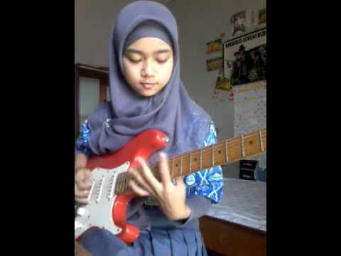 Shred Like A Girl… 16 Year-Old Guitar Player Shows Us How It's Done