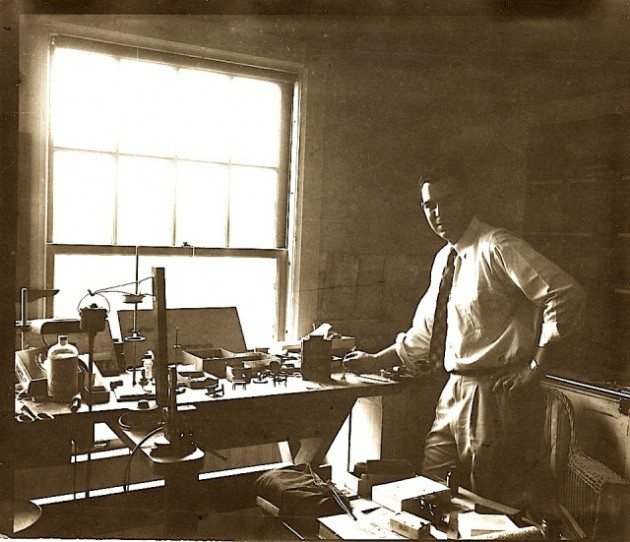 [Lee's Carpenter, Alton Mosher. Photo courtesy of the Harvard Associates in Legal Medicine]