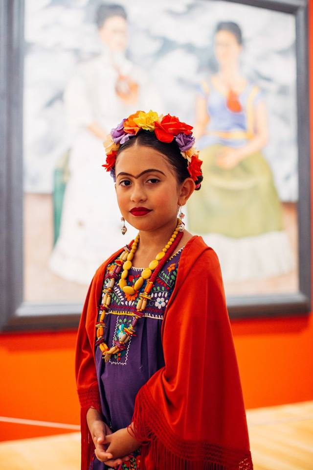 frida kahlo lookalikes girl red